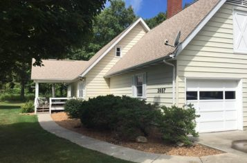 Country Home on 20 +/- Acres for Sale in Walnut Hill Illinois