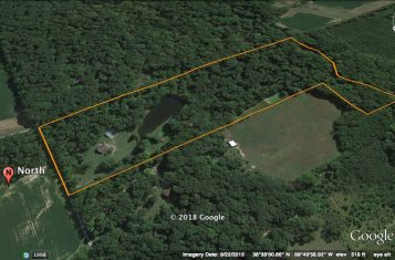 15 +/- Acres for Sale in Marion County Illinois with Small Home and Lake
