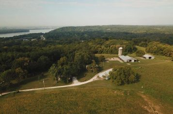 391 +/- Acre Illinois Farm & Hunting Property with Farmhouse for Sale – Jersey County