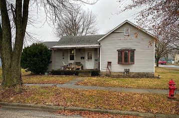 401 N. Saint Clair St., Altamont, IL – Positively Sells To The Highest Bidder! Opening Bid $35,000.00