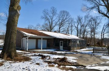 Country Home on 8 Acres for Sale – Callaway County